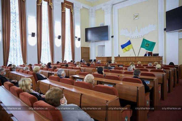 Больницы Харькова оснащают дополнительным кислородом