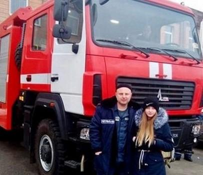 На Харьковщине простились с погибшими в аварии спасателем и его дочерью (видео)