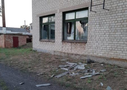 Мужчина устроил погром в школе на Харьковщине (фото)