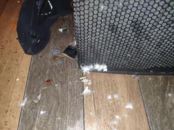 В центре Харькова вооруженного мужчину насмерть забили бутылками (фото)