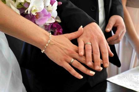 Около тысячи влюбленных харьковчан решили срочно пожениться