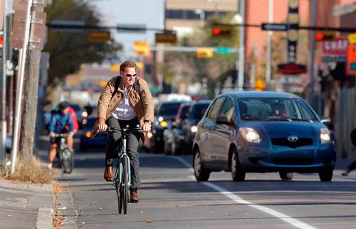 В Украине изменили правила дорожного движения. Что нужно знать обывателю