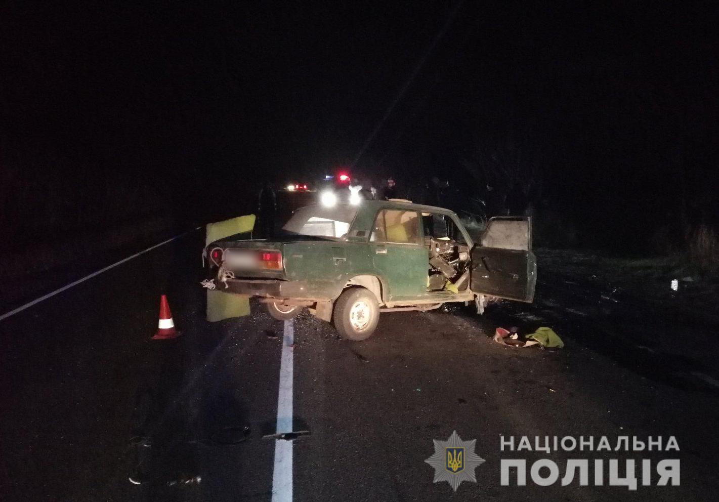 В Харьковской области пьяный водитель выехал на трассу и погиб (фото)