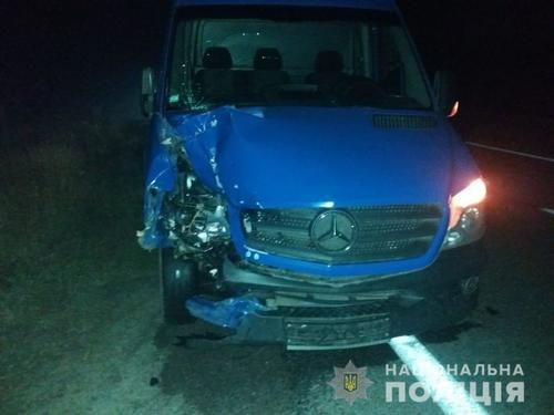 В Харьковской области водитель вышел из автомобиля и погиб (фото)