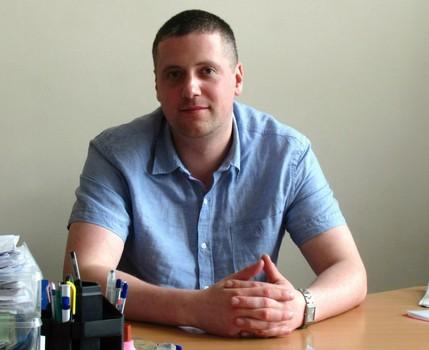 Преподаватель харьковского вуза, который потерял зрение из-за врача, требует миллион гривен (видео)