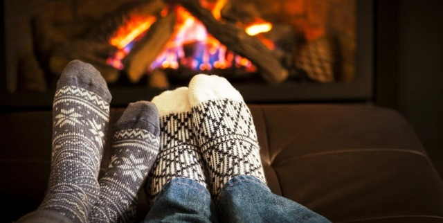 Как ухаживать за кожей ног зимой (фото)