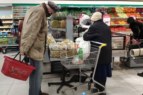 """""""Час покупок для пожилых"""": что думают о нововведении харьковские пенсионеры (фото)"""