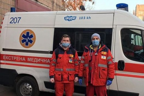 В Харькове у мужчины посреди дороги остановилось сердце