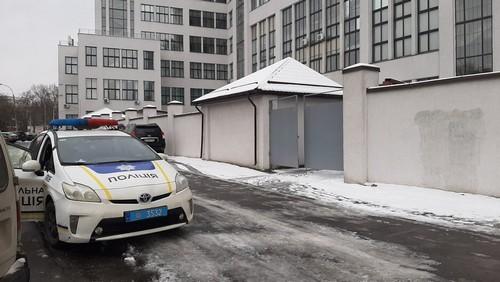 В Харькове женщина выпала из окна Госпрома (фото, дополнено)