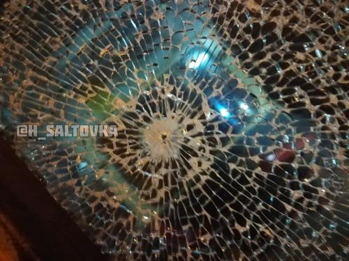 В Харькове обстреляли трамвай с людьми (видео)