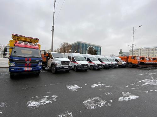 Новую спецтехнику закупили для харьковских коммунальщиков и транспортников (фото)