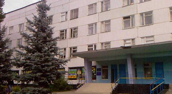 В Харькове неизвестные украли у детей елки (фото)