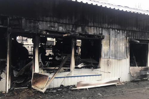ЧП на Харьковщине: торговый павильон сгорел дотла (фото)