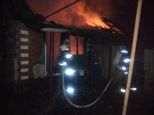 На Харьковщине семья за несколько часов лишилась крыши над головой (фото)