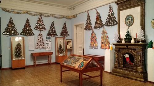 На Харьковщине открылась новогодняя выставка уникальных экспонатов (фото)