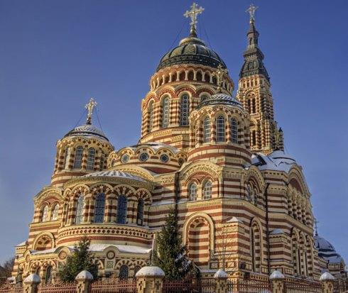 В Благовещенском соборе Харькова начинают церемонию отпевания Геннадия Кернеса (трансляция)