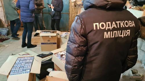 Цеховик из Харькова решил снабдить горожан к Новому года поддельным продуктом