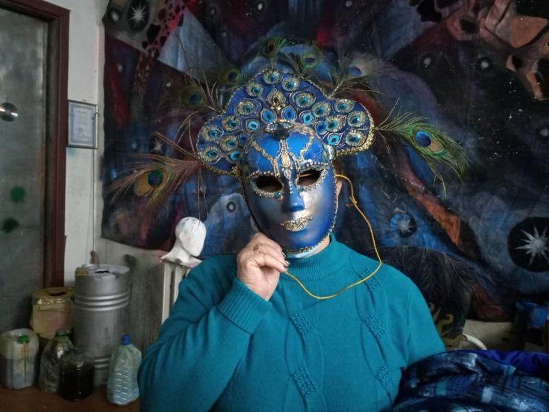Люди в масках проникли в тайны знакового харьковского заведения (фото, видео)