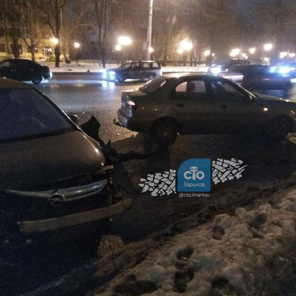 ДТП в Харькове: есть пострадавшие (фото)