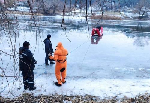Мужчина утонул в новогоднюю ночь в Харьковской области (фото)