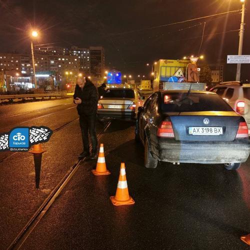 В Харькове пьяный водитель разбил несколько машин (фото, видео)