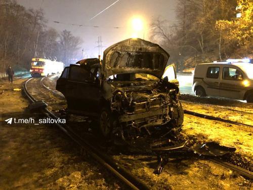 Вечернее приключение в Харькове: расторопный таксист помог поймать нарушителя (фото, видео)