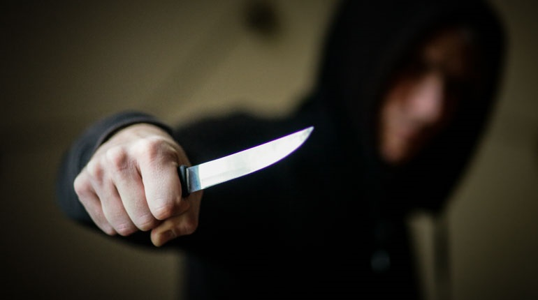 На Харьковщине мужчина с ножом набросился на ребенка