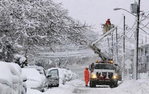Снегопад на Харьковщине: в каких населенных пунктах люди остались без электричества