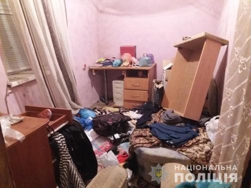 В Харькове парень перевернул вверх дном чужой дом (фото)
