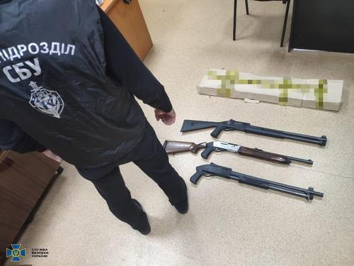 Руководитель харьковского предприятия связался с уголовниками (фото)