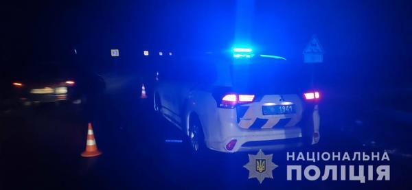 Наехал на женщину, лежавшую посреди дороги: подробности смертельного ДТП под Харьковом