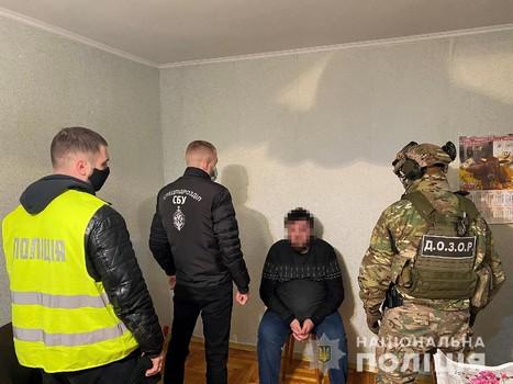 В Харьковской области группа мужчин угодила в неприятности из-за иностранного гостя (фото)