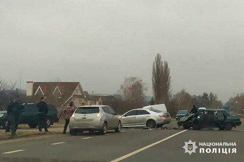Смертельное ДТП на Харьковщине: погиб водитель, пять человек - в больнице (фото)