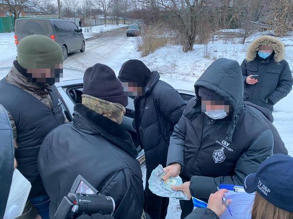 В Харькове правоохранитель вымогал деньги за «решение вопроса»