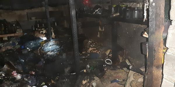 Жители одного из домов Харькова экстренно вызвали спасателей (фото)