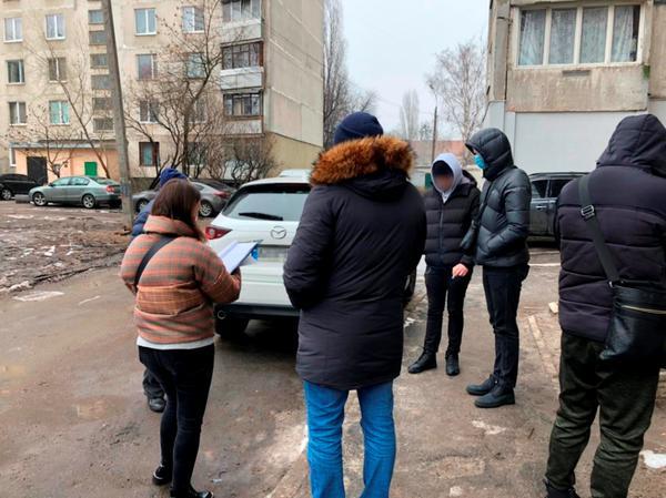 В Харькове женщина выдавала поддельные справки (фото)
