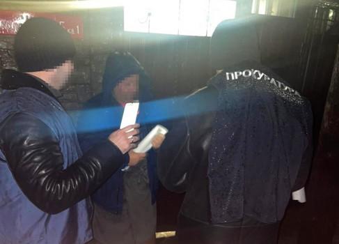 На Харьковщине бывший правоохранитель помог коллегам и угодил в скандал