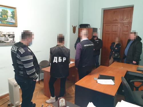 На Харьковщине полицейских подозревают в беспричинном избиении двух мужчин