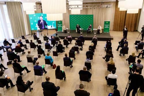 Команда Зеленского провела большую встречу в Харькове (фото)