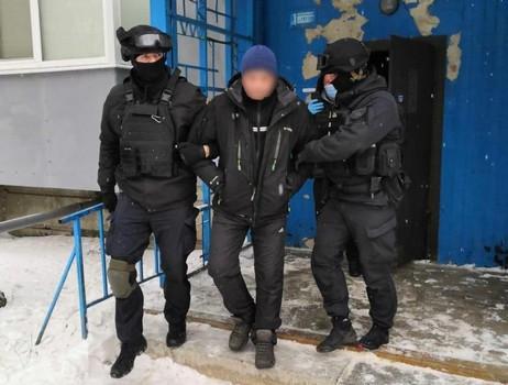 На Харьковщине мужчину задержали за деятельность в Интернете