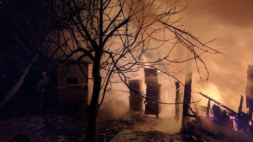 Крупный пожар произошел под Харьковом (фото)