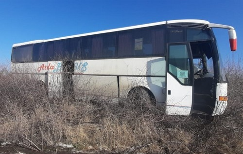На Харьковщине автобус с пассажирами вылетел с трассы: стали известны подробности