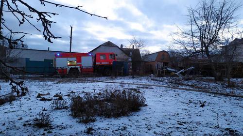 Происшествие под Харьковом: хозяйственная постройка сгорела дотла (фото)