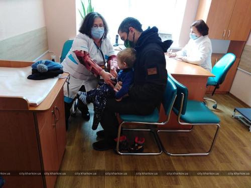 В одном из районов Харькова обновили детское медучреждение (фото)