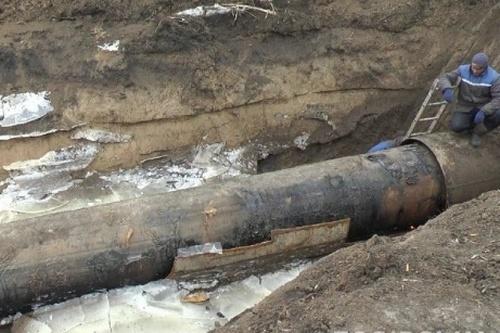 В Лозовой чинят водопровод: что будет с водой у жителей города
