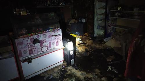 Под Харьковом сгорел магазин (фото)
