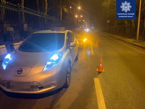 Пьяный за рулем: в Харькове на дороге разбились три автомобиля (фото)