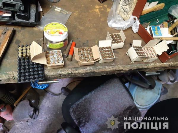 Мужчина из Харьковской области жил на «пороховой бочке» (фото)