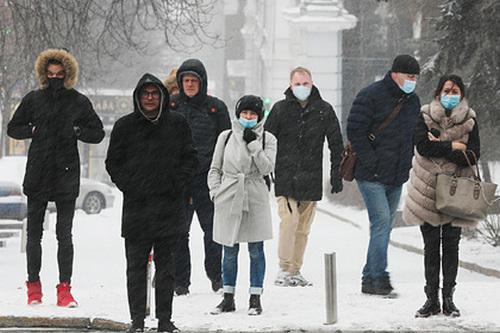 """Без масок не выходить. Что изменится в Харькове, если он попадет в """"красную"""" зону карантина"""