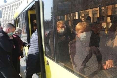 Под Харьковом случайная попутчица спасла от смерти пассажирку автобуса